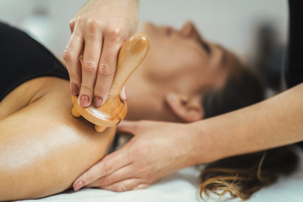 Lymphatic System Stimulation with Maderotherapy Body Treatment